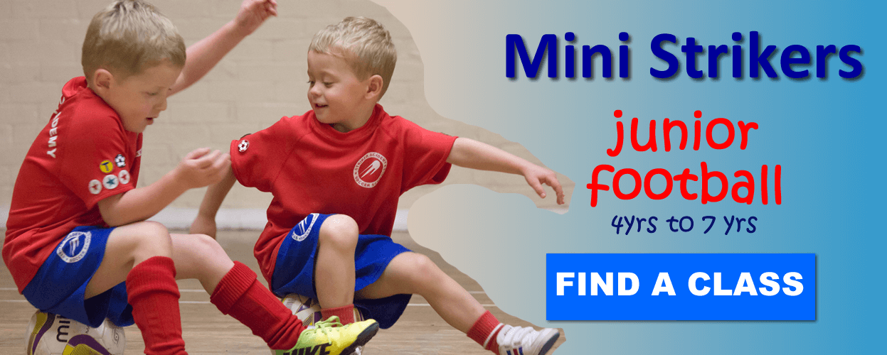 mini strikers junior football training